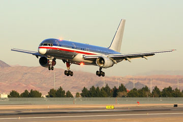 Boeing 757 landing at McCarran International Airport, Las Vegas, Nevada